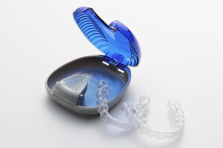 マウスピース型矯正歯科装置(クリアアライナー)